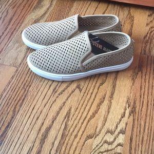 Steve Madden casual slip on sneakers